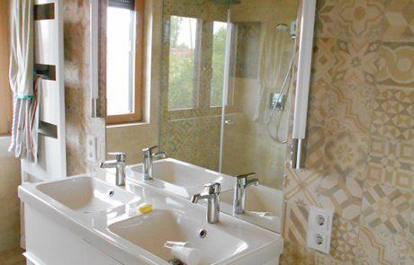 Badezimmerspiegel von der Glaserei Kovacs