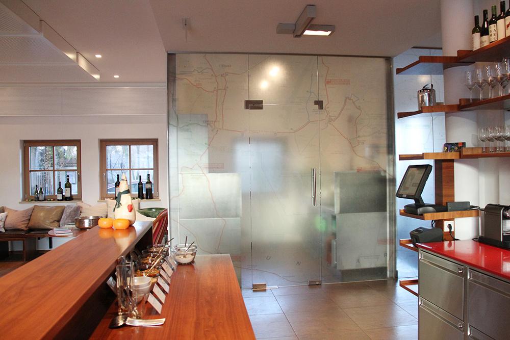 Glaswand von der Glaserei Kovacs